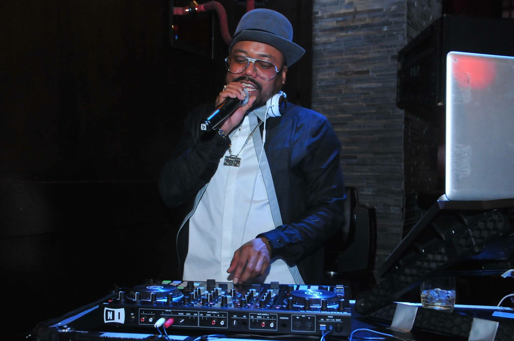 Special performance of the night, The Black Eyed Peas' Apl De Ap