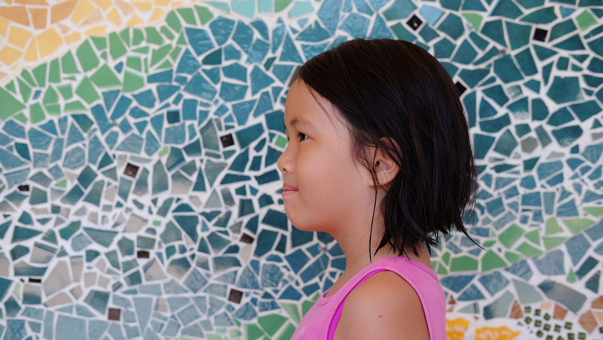 Couldn't resist taking a photo of my niece, Cibelli, with this beautiful mosaic as a backdrop